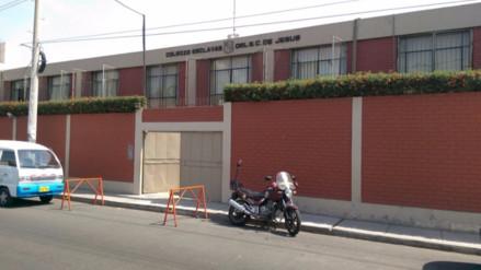 Retiran a escolares de colegio parroquial que intentaron suicidarse