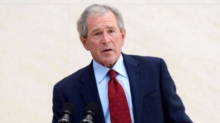 Expresidente George Bush no votó por Donald Trump