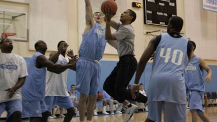 Obama cumplió con su cábala de jugar básquet el día de las elecciones