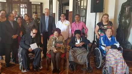 PPK rinde homenaje a destacados artistas nacionales