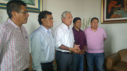 Alcalde provincial Elidio Espinoza solicita apoyo para limpiar la ciudad de Trujillo