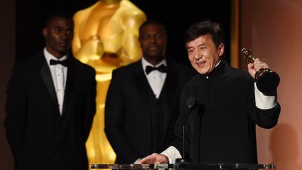 Jackie Chan recibió Oscar honorífico por su trayectoria
