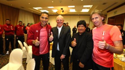PPK visitó concentración de la selección peruana
