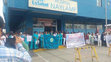 Con plantón y marcha piden que hospital Naylamp no baje de categoría