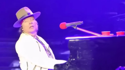 Aparece 'fantasma' durante concierto de Guns N' Roses