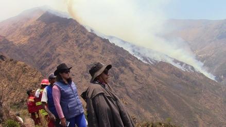 Macate: alcaldesa pide helicóptero para sofocar incendio forestal