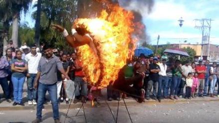 Facebook: acróbata sufre quemaduras durante un desfile cívico en México