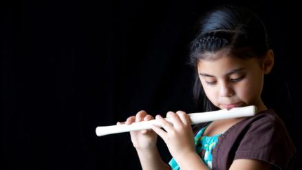 Aprender música: la clave para educar niños mentalmente hábiles