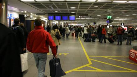 El 'jet lag' aumenta el riesgo de cáncer de hígado