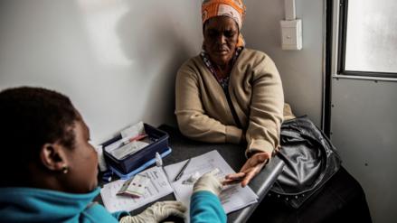 Inicia en Sudáfrica una campaña masiva para probar una vacuna contra el VIH