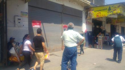 Comerciantes de Mercado de Telas de Piura cierran local para levantar observaciones