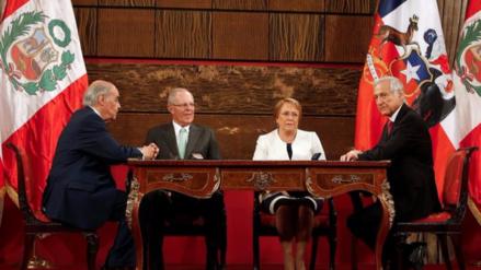 Kuczynski y Bachelet alertan contra el proteccionismo y piden más integración