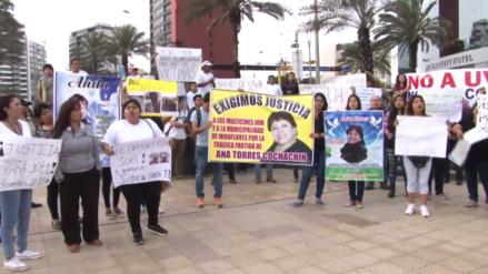 Familiares y amigos de víctimas del incendio en Larcomar protestaron