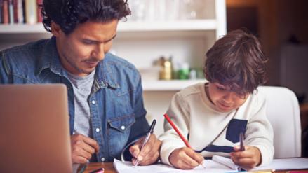 Las tareas escolares causan estrés emocional en los padres
