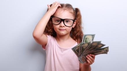 Regalar dinero a los hijos: los pros y los contras