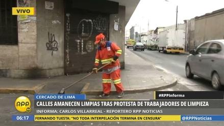 Limpian las calles del Cercado de Lima tras la protesta de los barrenderos
