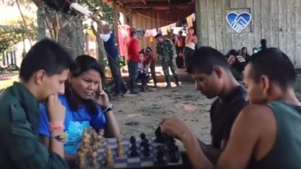 El Mannequin Challenge de las FARC en un campamento en Colombia
