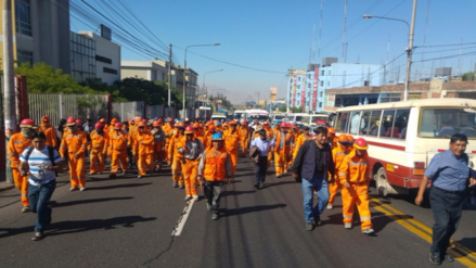 Trabajadores de Construcción Civil protestaron por despido de personal