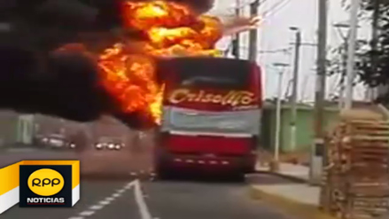 Bus interprovincial se incendia frente a comisaría de Pativilca