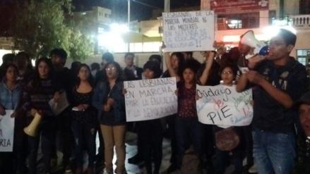 Regiones se sumaron a movilización contra censura a Jaime Saavedra