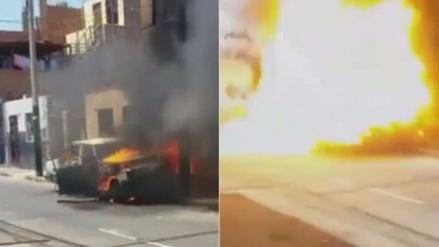 Incendio y explosión de auto causa daños en viviendas de Surco