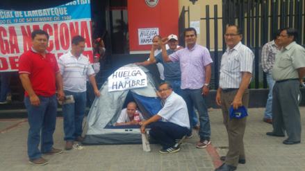 Trabajador judicial cumple tres días en huelga de hambre