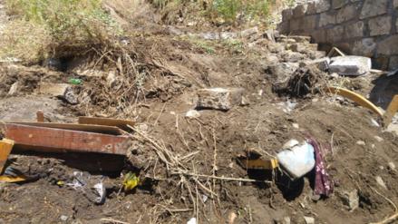 Retiran escombros de vivienda donde murieron dos niños