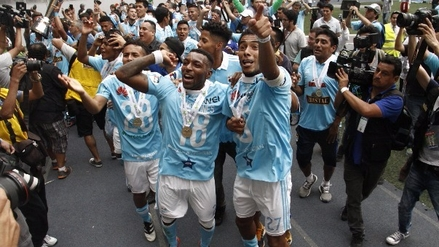 Revive la celebración de Sporting Cristal a ras de cancha