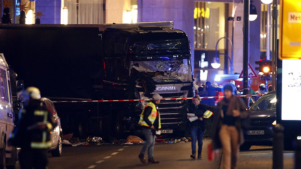 Video | Un camión embistió a un mercado en Berlín y mató a 12 personas