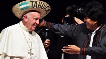 """Evo Morales pide al papa Francisco que siga """"enfrentando al imperialismo"""""""