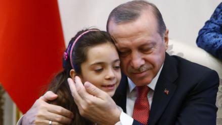 Twitter: Bana, la niña tuitera de Alepo, se reunió con el presidente de Turquía