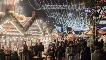 Mercadillo navideño de Berlín reabrió sus puertas tras atentado
