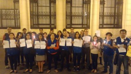 """Trabajadores de la Defensoría realizan plantón ante """"despidos arbitrarios"""""""