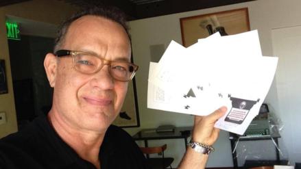 Tom Hanks ayuda a una fanática a ganar una apuesta