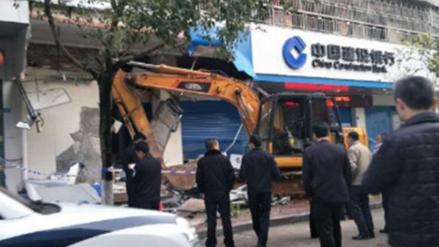 Un chino fue detenido por robar cajeros automáticos con una excavadora