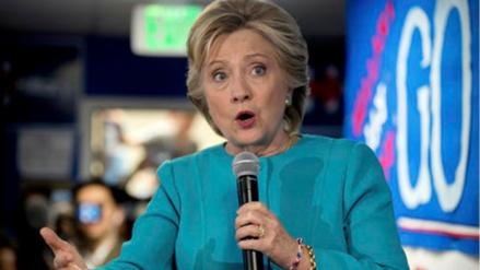 Clinton pide a sus votantes seguir