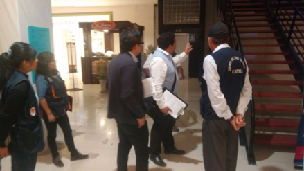 Clausuran Cine Planet de Mall Plaza de Cayma