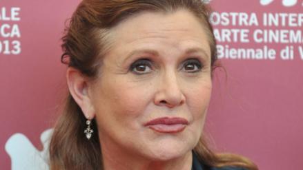 Desacuerdos familiares retrasan autopsia de Carrie Fisher