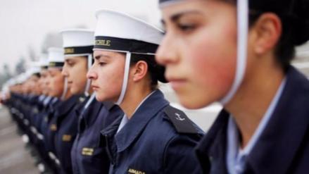 Ocho marinos chilenos son procesados por espiar a compañeras en la intimidad