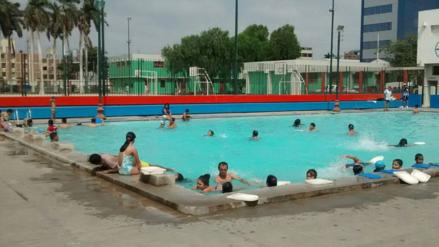 Personal de Salud Ambiental inició vigilancia de las 55 piscinas de Lambayeque