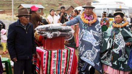 Con tradicional ceremonia de 't'anta ponchos' despiden a tenientes gobernadores