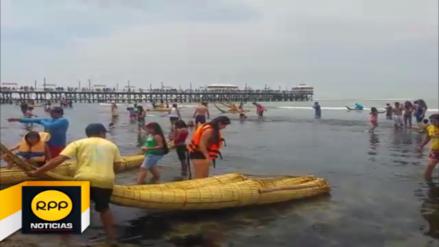 Turistas y trujillanos pasan el primer domingo del año en Huanchaco