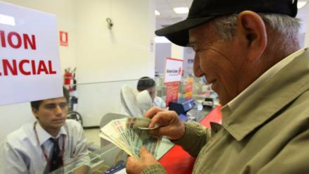Escudero: No hay margen fiscal para financiar pensiones mínimas de AFP