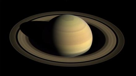 La sonda Cassini lista para 'morir' en Saturno tras 20 años de aventura