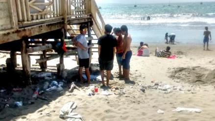 Playas de Piura amanecieron repletas de basura
