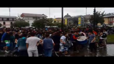Cientos de cajamarquinos disfrutaron de primera Guerra de Globos