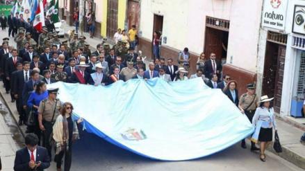 Cajamarca celebra sus 163 aniversario con paseo de la bandera y desfile
