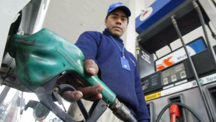 Repsol subió hoy precios de combustibles entre 0.7% y 2.1% por galón