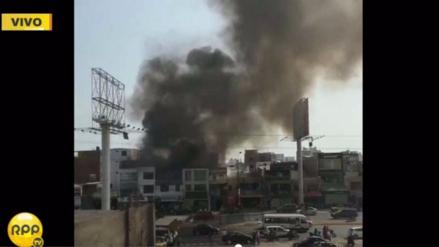 Incendio en taller de motos de Pueblo Libre ya fue controlado