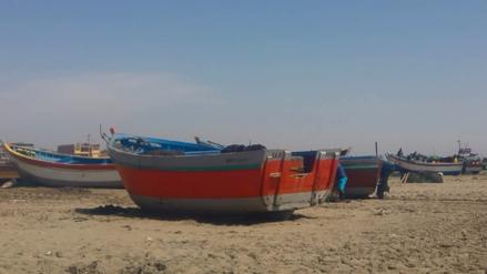 Pescadores chiclayanos afectados al no contar con maquinaria para jalar embarcaciones